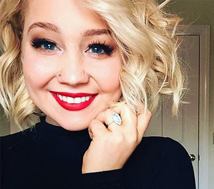 Music Friday: RaeLynn's Newest Release 'Diamonds' Was Inspired by Her 2015 Engagement