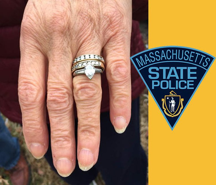 Mass. State Troopers Recover Elderly Couple's Wedding Rings Alongside Interstate Highway